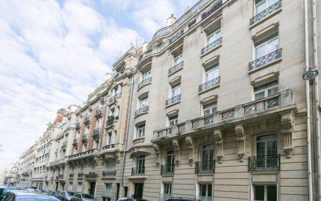 Отель Sochic Suites Paris Haussmann вид на фасад