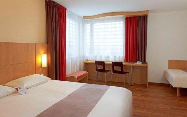 Отель Ibis Warszawa Reduta Польша, Варшава - 13 отзывов об отеле, цены и фото номеров - забронировать отель Ibis Warszawa Reduta онлайн комната для гостей