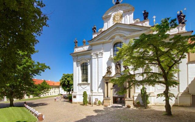 Hotel Monastery