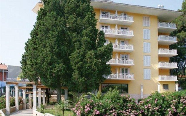 Hotel Apollo – Terme & Wellness LifeClass вид на фасад