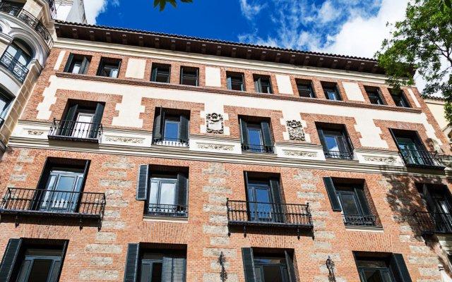 Отель One Shot Fortuny 07 Мадрид вид на фасад