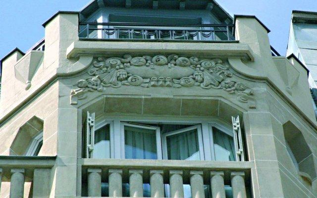 Отель Royal Fromentin вид на фасад