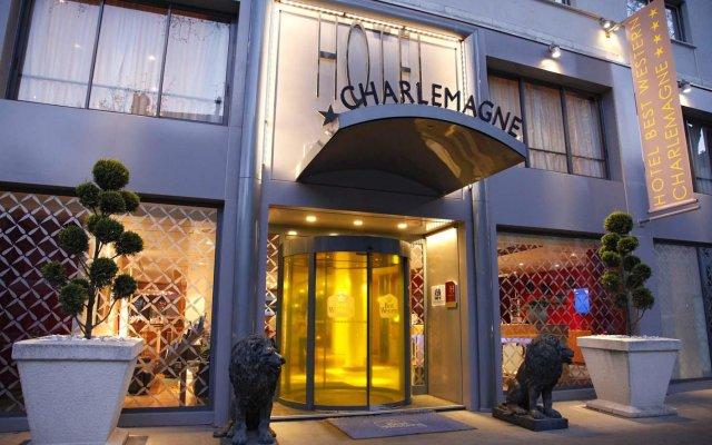 Отель Hôtel Charlemagne вид на фасад