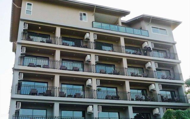 Отель T5 Suites Паттайя вид на фасад