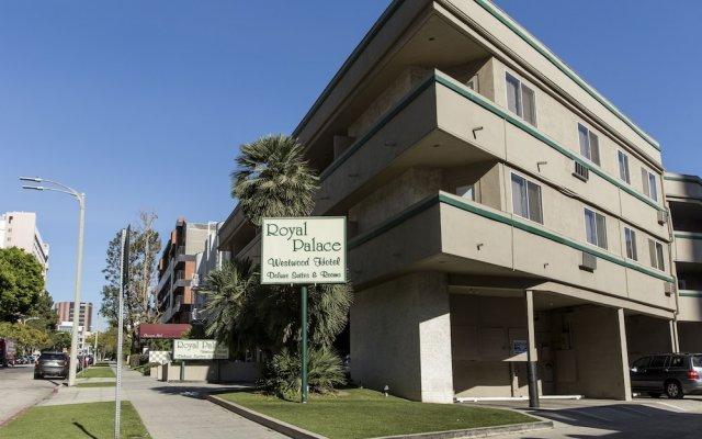 Отель Royal Palace Westwood США, Лос-Анджелес - отзывы, цены и фото номеров - забронировать отель Royal Palace Westwood онлайн вид на фасад