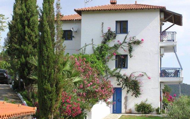 Отель SartiVista вид на фасад