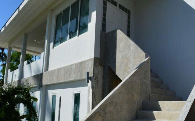 Апартаменты Coconut Bay Penthouse Apartment Ланта вид на фасад