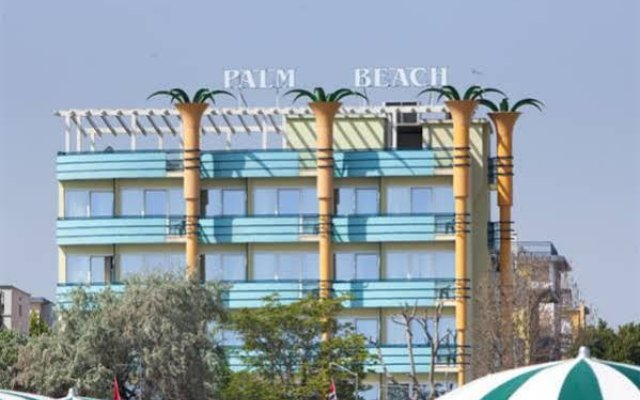 Hotel Palm Beach Римини вид на фасад