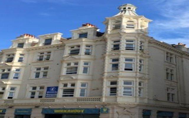 Отель Smart Brighton Beach вид на фасад