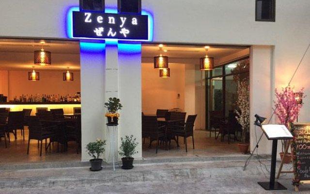 Отель Zenya Inn Бангкок вид на фасад