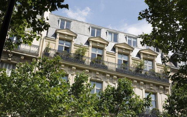 Отель Le Narcisse Blanc & Spa Франция, Париж - 1 отзыв об отеле, цены и фото номеров - забронировать отель Le Narcisse Blanc & Spa онлайн вид на фасад