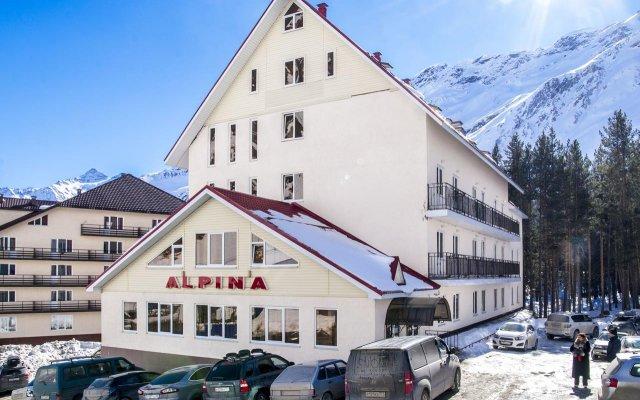 Гостиница Альпина вид на фасад