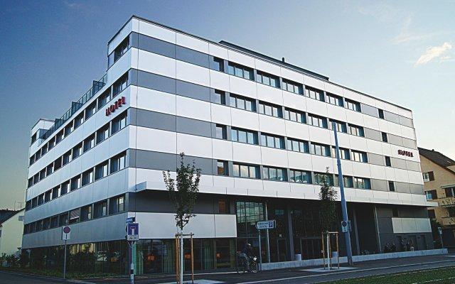 Отель Ramada Hotel Zürich-City Швейцария, Цюрих - отзывы, цены и фото номеров - забронировать отель Ramada Hotel Zürich-City онлайн вид на фасад