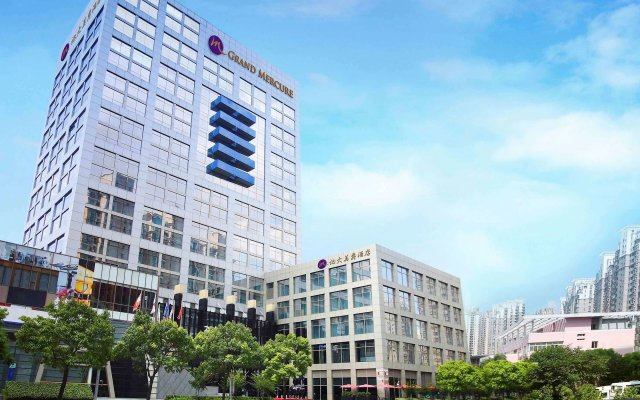 Grand Mercure Shanghai Century Park Hotel вид на фасад