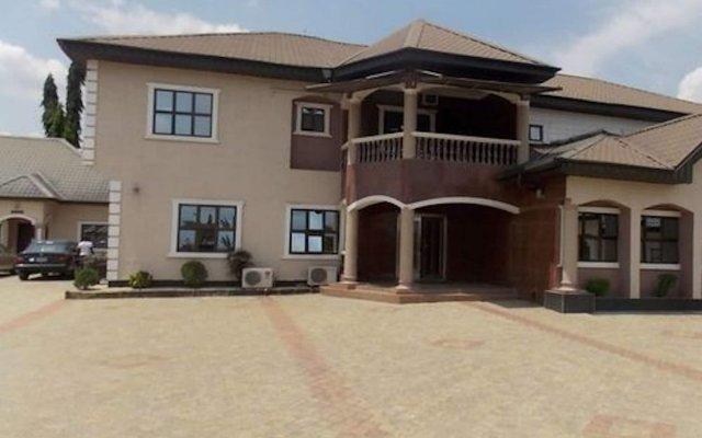 Отель Emrosy Hotels Нигерия, Уйо - отзывы, цены и фото номеров - забронировать отель Emrosy Hotels онлайн вид на фасад