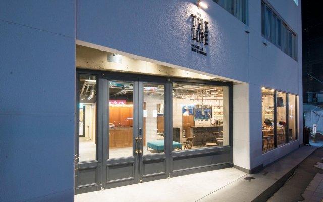 THE LIFE hostel & bar lounge Хаката вид на фасад