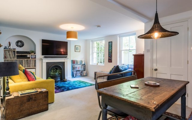 Апартаменты 1 Bedroom Apartment Near Central Brighton комната для гостей