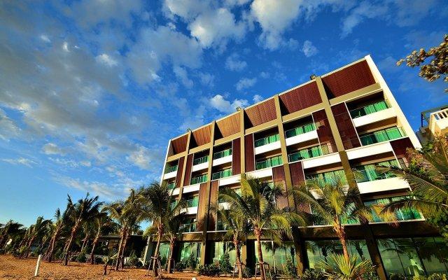 Отель Golden Dragon Beach Pattaya Таиланд, Бангламунг - отзывы, цены и фото номеров - забронировать отель Golden Dragon Beach Pattaya онлайн вид на фасад