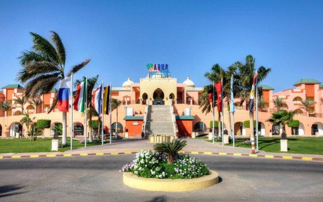 Отель Aqua Vista Resort & Spa Египет, Хургада - 1 отзыв об отеле, цены и фото номеров - забронировать отель Aqua Vista Resort & Spa онлайн вид на фасад