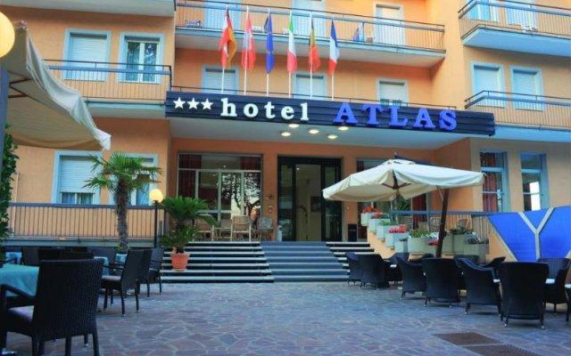Отель Atlas Римини вид на фасад