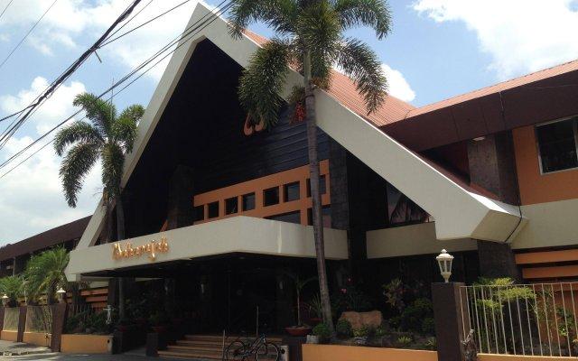 Отель Maharajah Hotel Филиппины, Пампанга - отзывы, цены и фото номеров - забронировать отель Maharajah Hotel онлайн вид на фасад