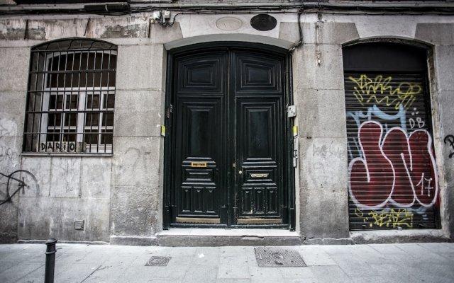 Отель Hola Rooms Испания, Мадрид - отзывы, цены и фото номеров - забронировать отель Hola Rooms онлайн вид на фасад