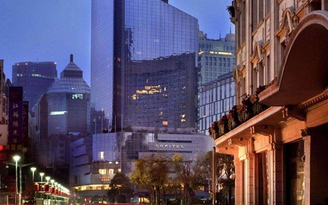 Отель Sofitel Shanghai Hyland Китай, Шанхай - отзывы, цены и фото номеров - забронировать отель Sofitel Shanghai Hyland онлайн вид на фасад