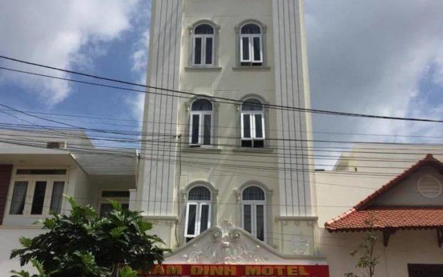 Отель Nam Dinh Motel Буонматхуот вид на фасад