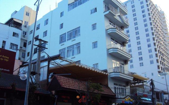 Blue Star Hotel Nha Trang вид на фасад