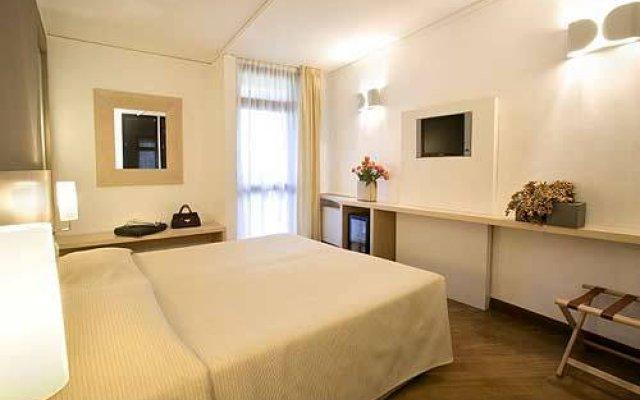 Отель Country Hotel Borromeo Италия, Пескьера-Борромео - отзывы, цены и фото номеров - забронировать отель Country Hotel Borromeo онлайн комната для гостей