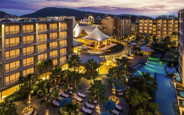 Отель Grand Mercure Phuket Patong вид на фасад