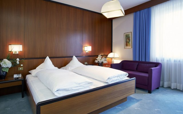 Отель JULIANE Меран комната для гостей