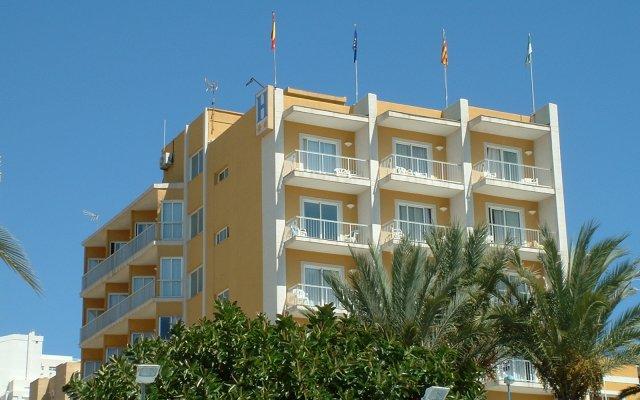 Отель Porto Calpe вид на фасад