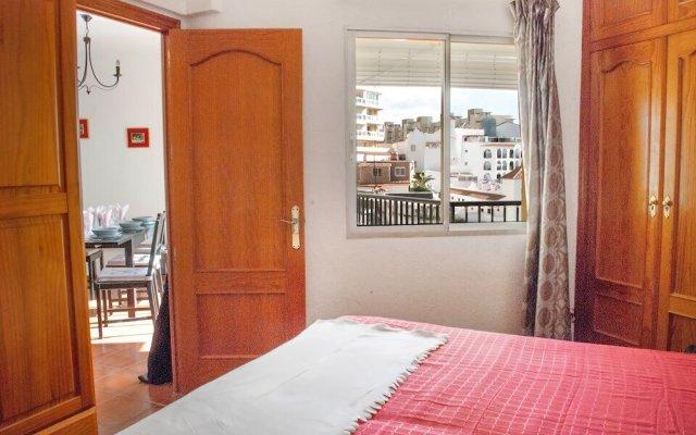 Апартаменты Beachfront Vacation Apartment in Fuengirola Ref 102 Фуэнхирола комната для гостей