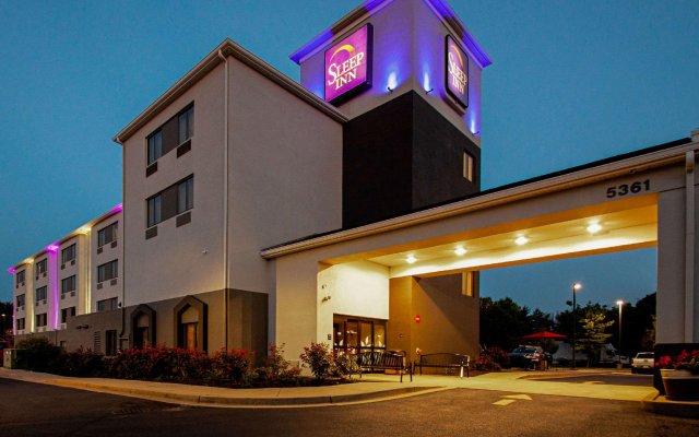 Отель Sleep Inn Frederick вид на фасад