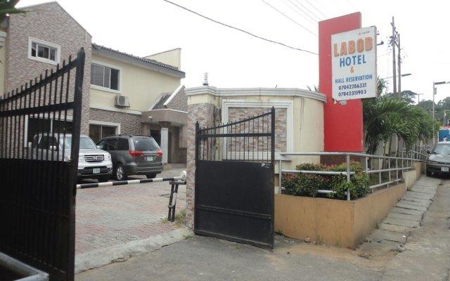 Labod Hotel вид на фасад