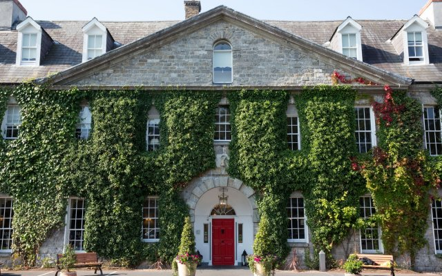Celbridge Manor Hotel вид на фасад
