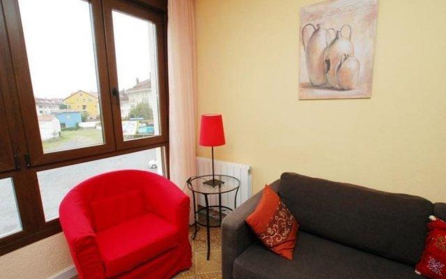Апартаменты Apartment in Isla Playa, Cantabria 103310 by MO Rentals комната для гостей