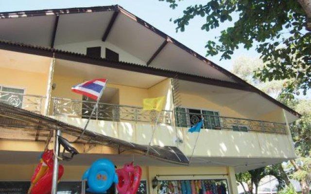 Отель Nong Nuey Rooms Таиланд, Ко Самет - отзывы, цены и фото номеров - забронировать отель Nong Nuey Rooms онлайн вид на фасад