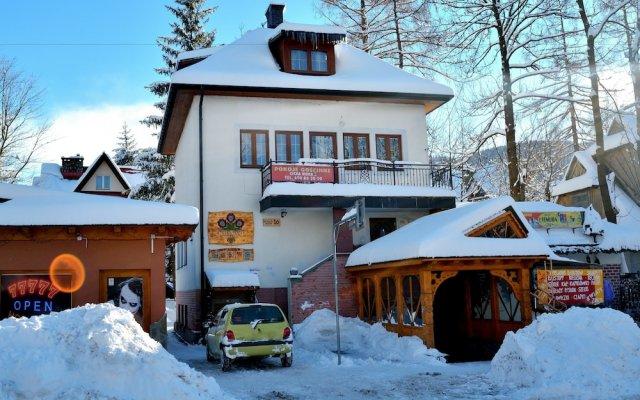 Отель Willa Cicha Woda II вид на фасад
