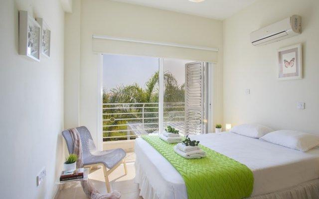 Отель Protaras Villa Sofia комната для гостей