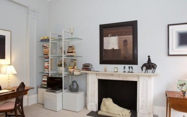 Отель A Place Like Home - Lovely Flat in Pimlico Area Великобритания, Лондон - отзывы, цены и фото номеров - забронировать отель A Place Like Home - Lovely Flat in Pimlico Area онлайн комната для гостей