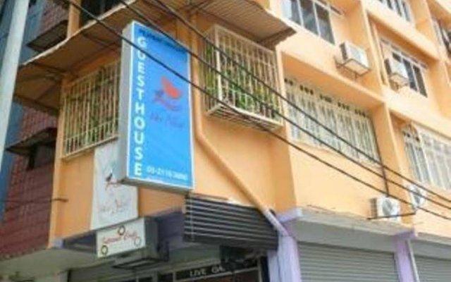 Отель Orange Pekoe Guesthouse Малайзия, Куала-Лумпур - отзывы, цены и фото номеров - забронировать отель Orange Pekoe Guesthouse онлайн вид на фасад