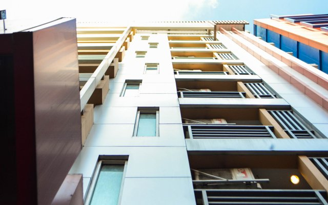 Отель Pratunam Pavilion Бангкок вид на фасад