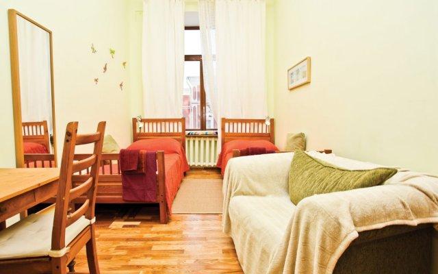 Seasons Hostel комната для гостей