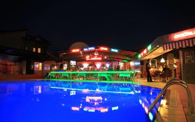 Club Alpina Турция, Мармарис - отзывы, цены и фото номеров - забронировать отель Club Alpina онлайн вид на фасад
