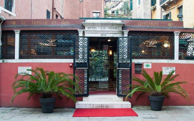 Отель La Fenice Et Des Artistes Италия, Венеция - отзывы, цены и фото номеров - забронировать отель La Fenice Et Des Artistes онлайн вид на фасад
