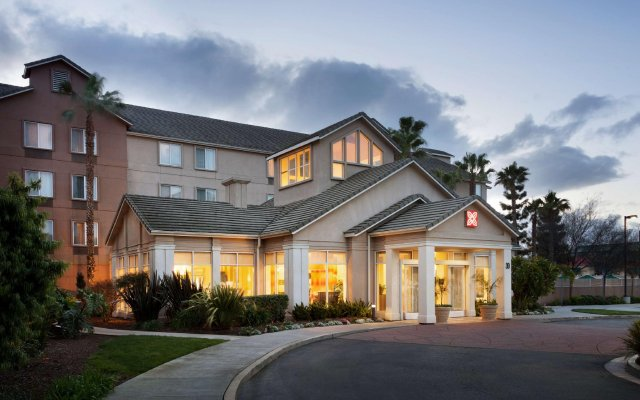 Отель Hilton Garden Inn San Jose/Milpitas вид на фасад