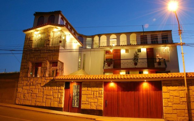 Hoteles Benavides 0