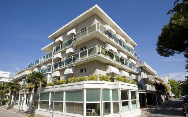Отель Consuelo Италия, Риччоне - отзывы, цены и фото номеров - забронировать отель Consuelo онлайн вид на фасад